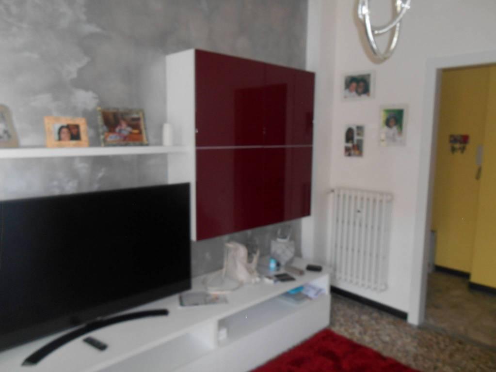 Appartamento in vendita a Alba, 3 locali, prezzo € 125.000 | CambioCasa.it
