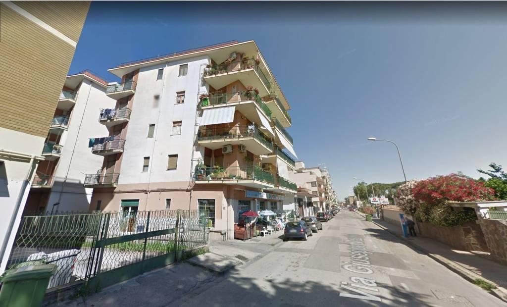 Appartamento in buone condizioni in vendita Rif. 7858161