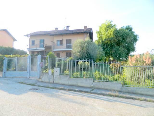 Foto 1 di Villa via Mercuriolo 6/6, Buttigliera D'asti