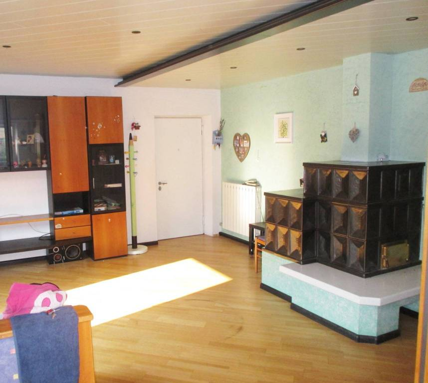 Sopramonte tre stanze con giardino