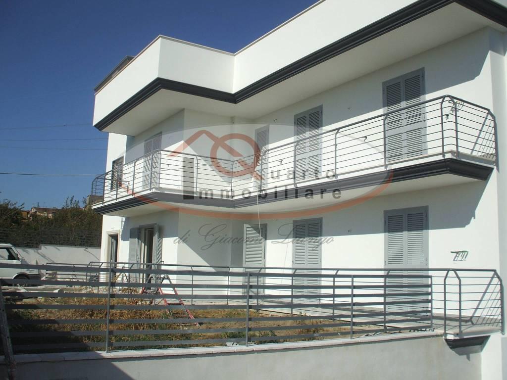 Appartamento in ottime condizioni in affitto Rif. 7858940