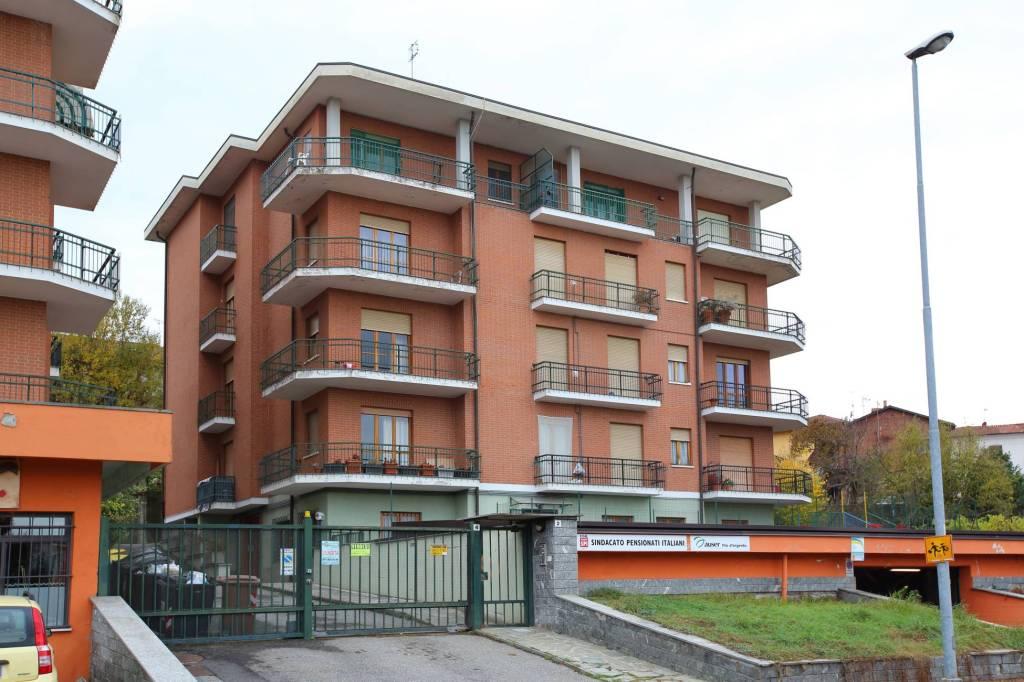 Appartamento in buone condizioni in vendita Rif. 7858540