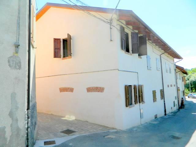 Appartamento in ottime condizioni arredato in affitto Rif. 7858062