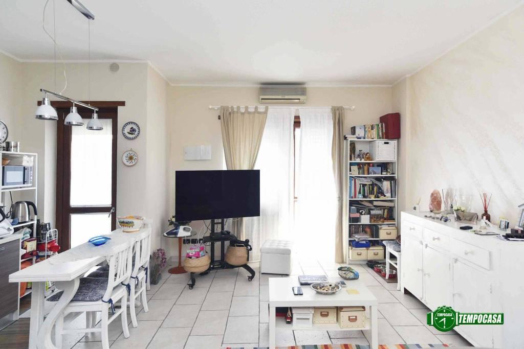 Appartamento in ottime condizioni in vendita Rif. 8914698
