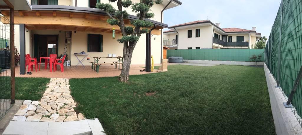 Appartamento in ottime condizioni parzialmente arredato in vendita Rif. 7859046