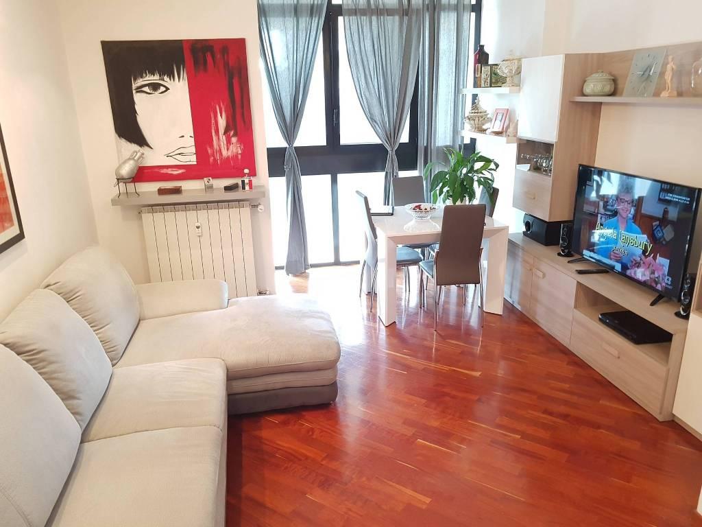 Appartamento in ottime condizioni in vendita Rif. 7845161
