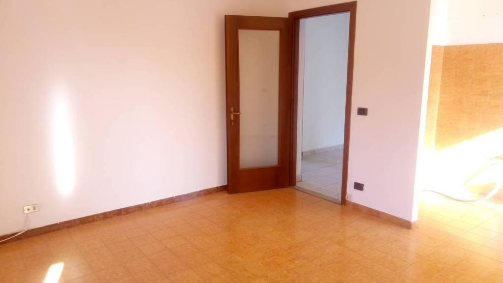 Appartamento in buone condizioni in vendita Rif. 7859398