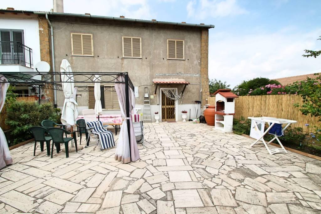 Rustico / Casale in buone condizioni arredato in vendita Rif. 7857066