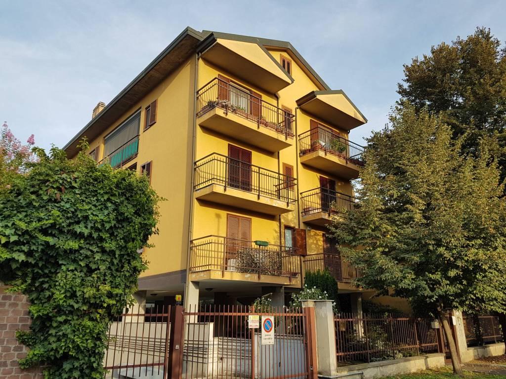 Appartamento in ottime condizioni arredato in vendita Rif. 7857132