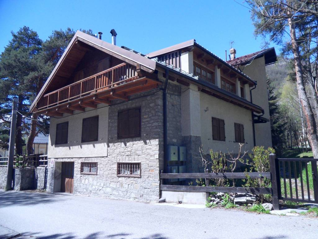 Appartamento in buone condizioni in vendita Rif. 7856612
