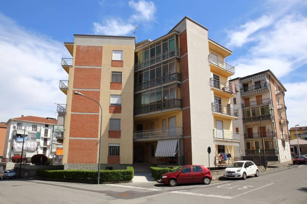 Appartamento in buone condizioni in vendita Rif. 7858541