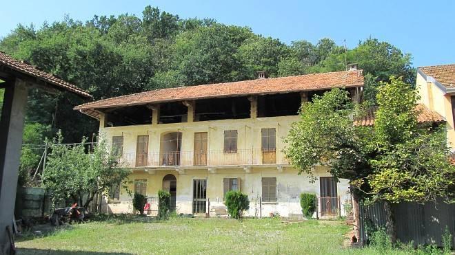 Rustico / Casale in vendita a Fontaneto d'Agogna, 6 locali, prezzo € 110.000 | CambioCasa.it