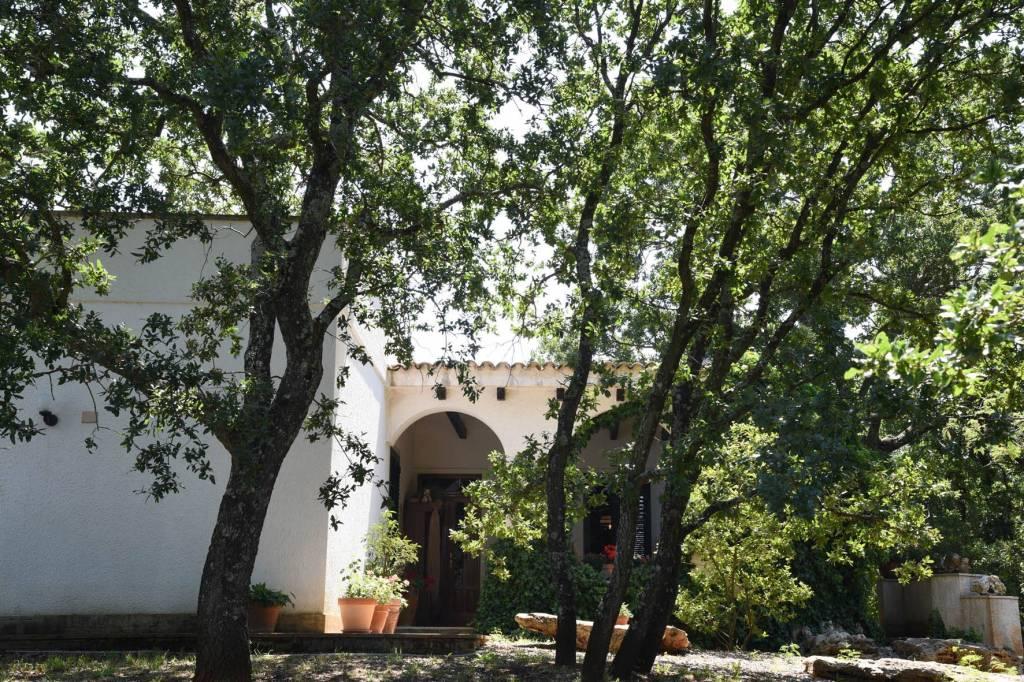 Villa in ottime condizioni arredato in vendita Rif. 7861363