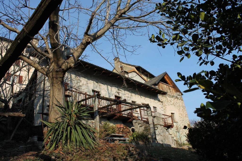 Casa indipendente trilocale in vendita a Crevoladossola (VB)