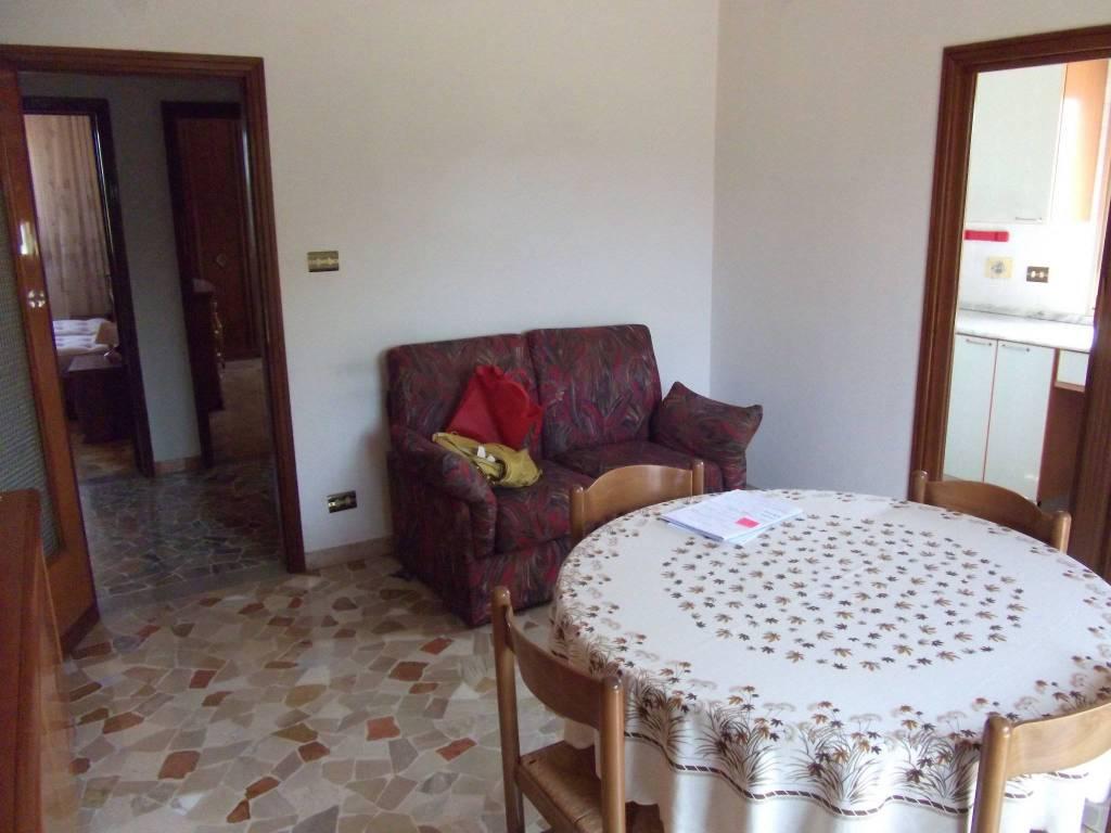 Appartamento in vendita a Castel San Pietro Terme, 5 locali, prezzo € 165.000 | CambioCasa.it