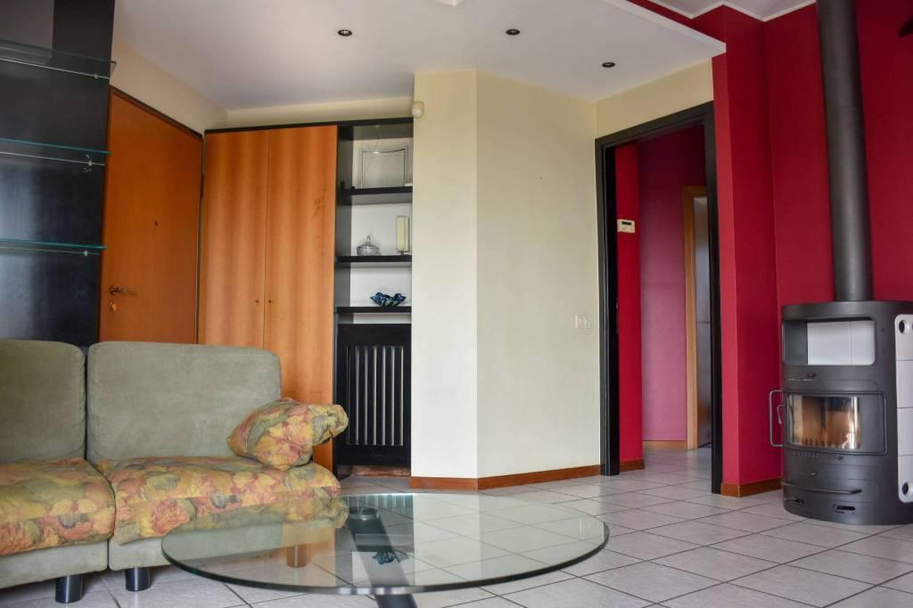Appartamento in ottime condizioni arredato in vendita Rif. 7874454
