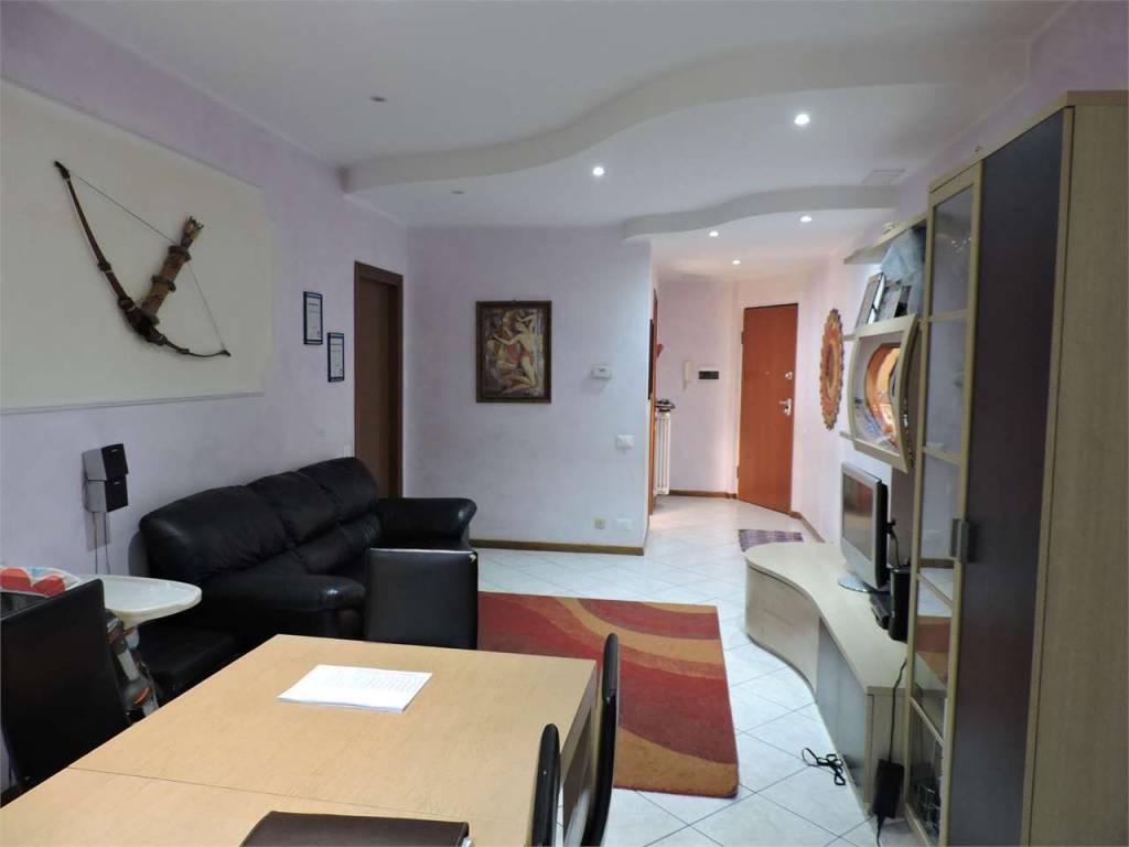 Appartamento in ottime condizioni in vendita Rif. 7871839