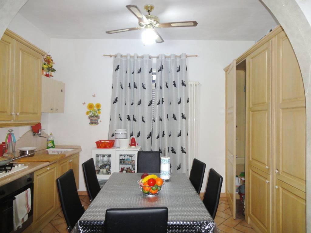 Appartamento in ottime condizioni parzialmente arredato in vendita Rif. 7871707