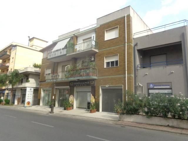 Appartamento in buone condizioni in vendita Rif. 7703363