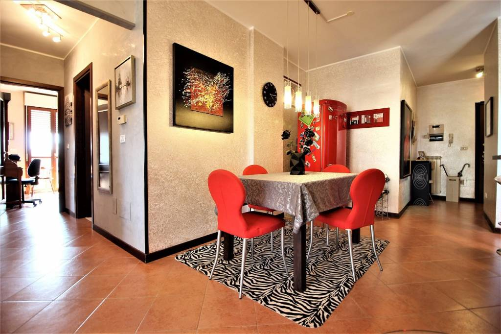 Appartamento in buone condizioni in vendita Rif. 7873569