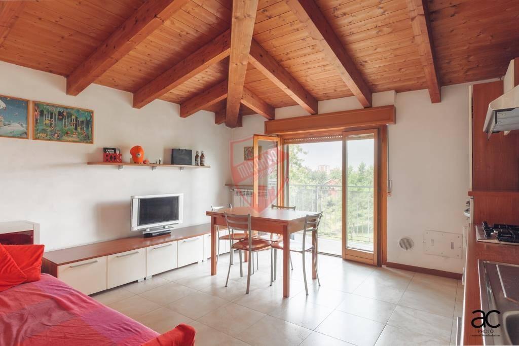 Appartamento in ottime condizioni in vendita Rif. 7871948