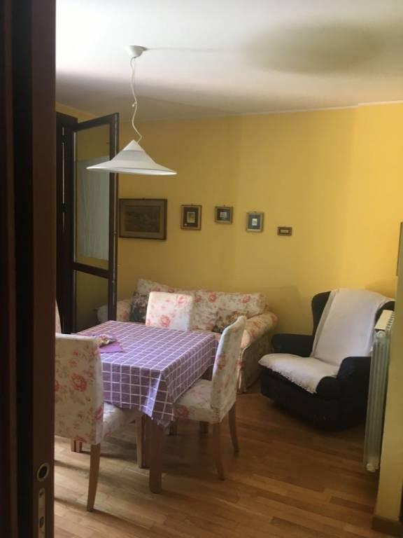 Appartamento in buone condizioni arredato in vendita Rif. 8830565