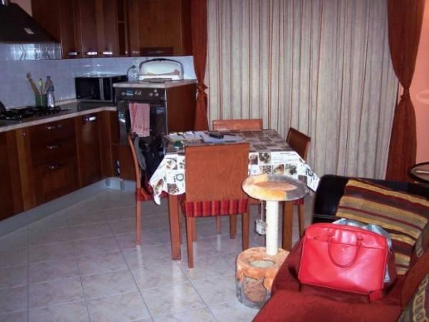 Appartamento in buone condizioni in vendita Rif. 7875428