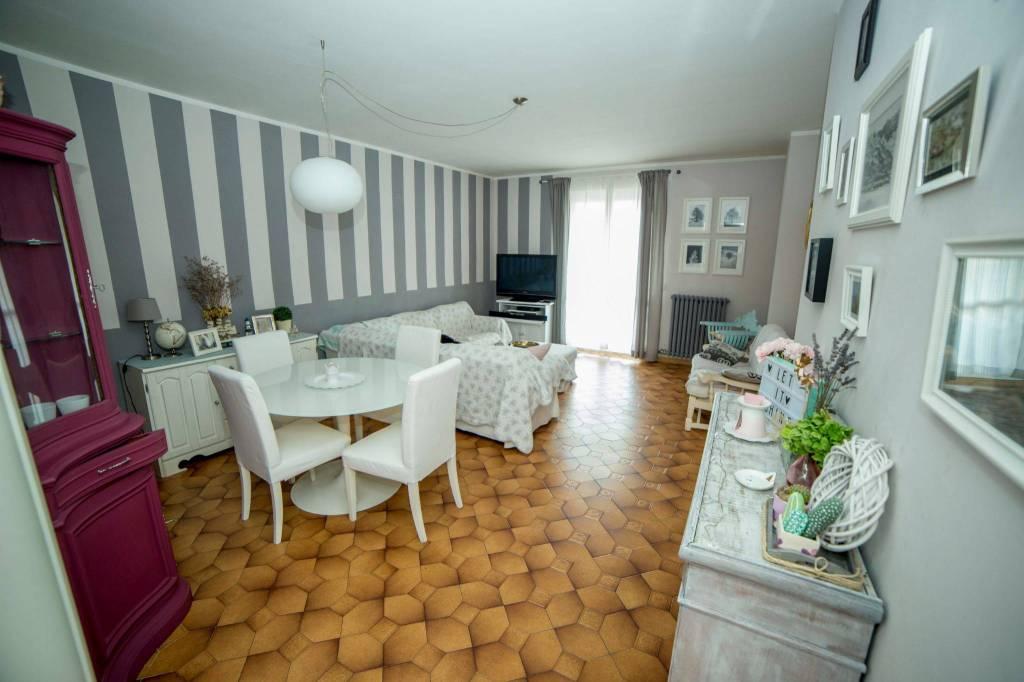 Appartamento in ottime condizioni in vendita Rif. 7873858