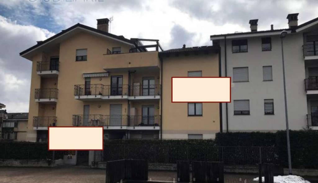 Appartamento in buone condizioni in vendita Rif. 8524387