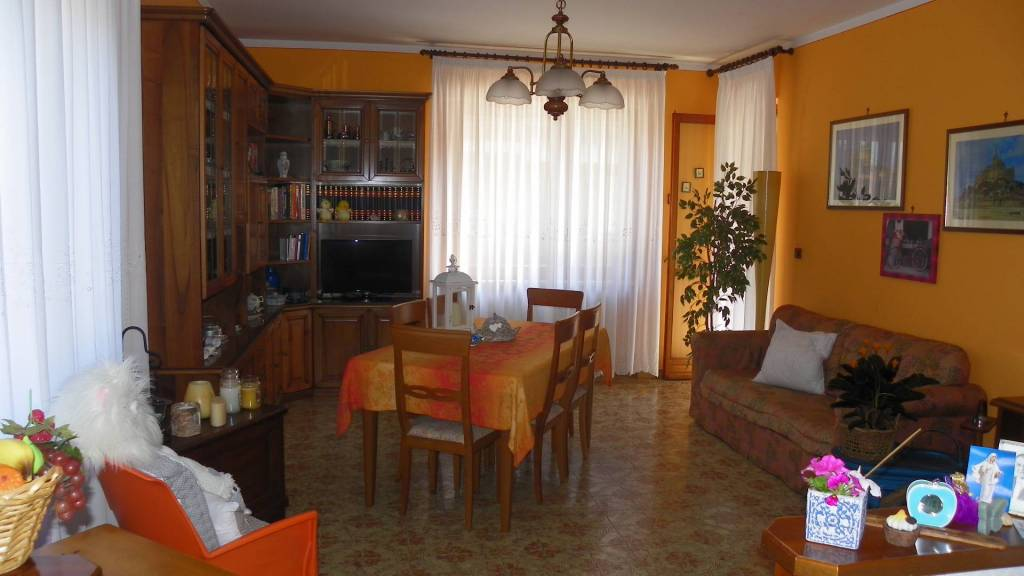 Appartamento in buone condizioni in vendita Rif. 7871421