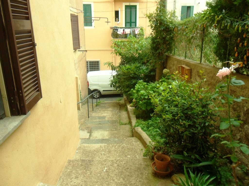Appartamento in ottime condizioni arredato in vendita Rif. 7870819