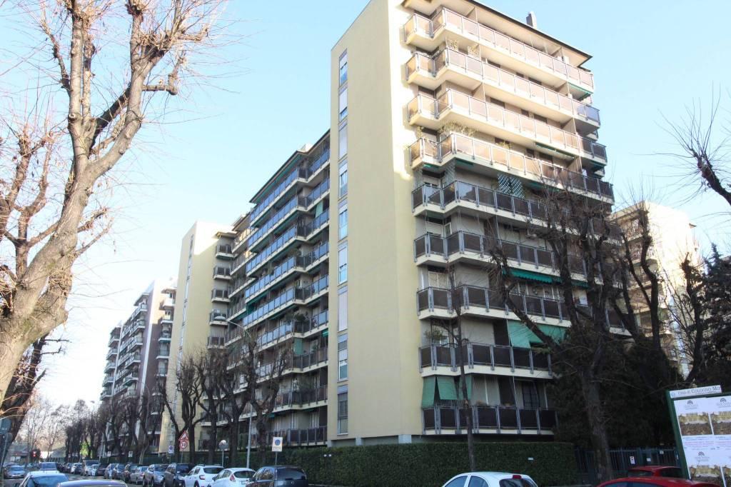 Appartamento in ottime condizioni arredato in vendita Rif. 7871305