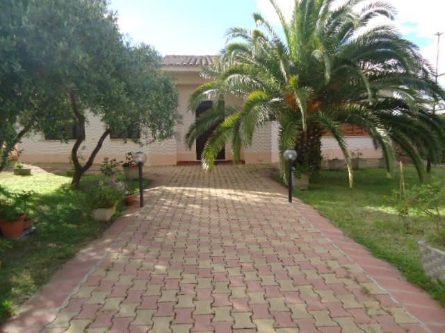 Villa in buone condizioni in vendita Rif. 7870027