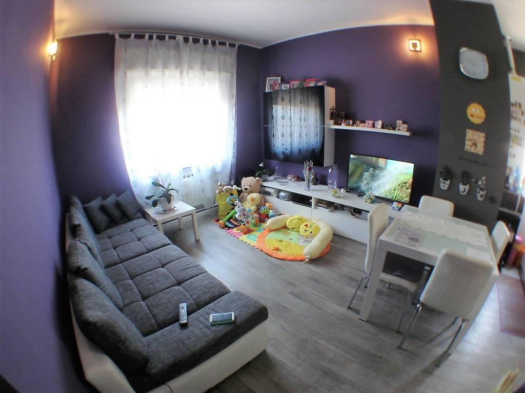 Appartamento in ottime condizioni in vendita Rif. 7872131