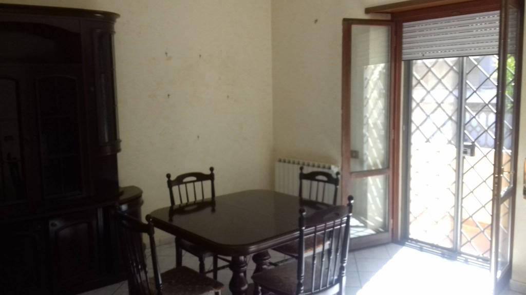 Appartamento in buone condizioni arredato in affitto Rif. 7872622