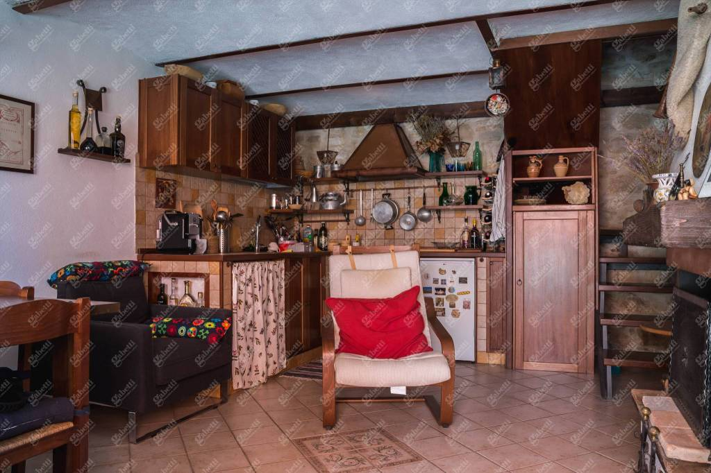 Appartamento in ottime condizioni in vendita Rif. 8776406