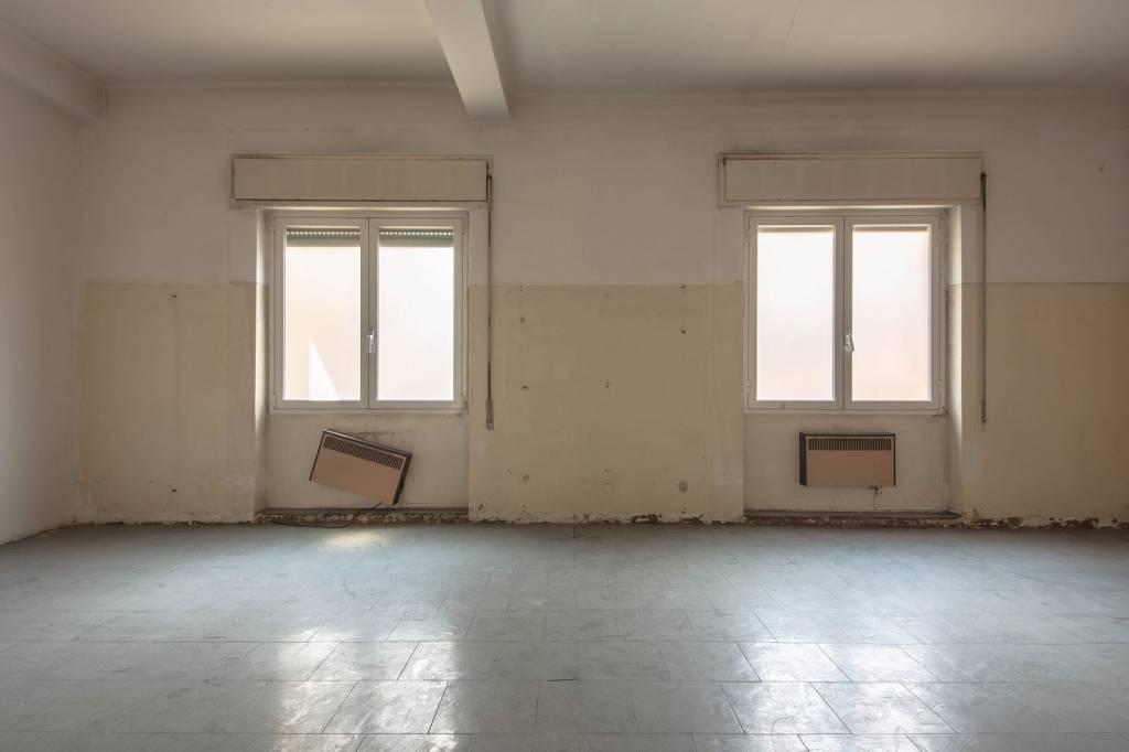 Appartamento da ristrutturare in vendita Rif. 7869864