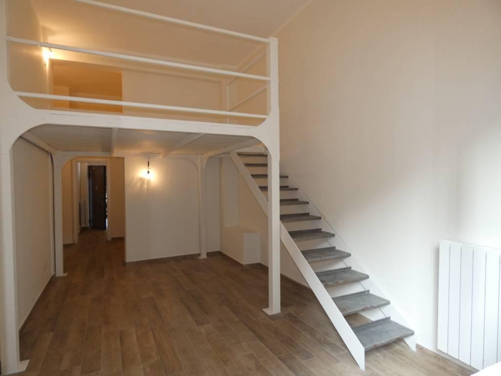 Appartamento in vendita 2 vani 60 mq.  viale Montello 18 Milano