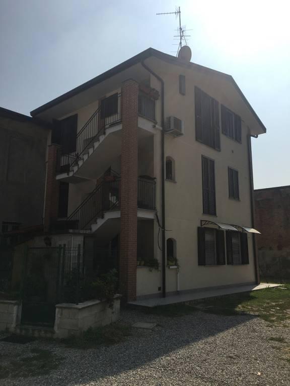 Appartamento in ottime condizioni in vendita Rif. 7887887