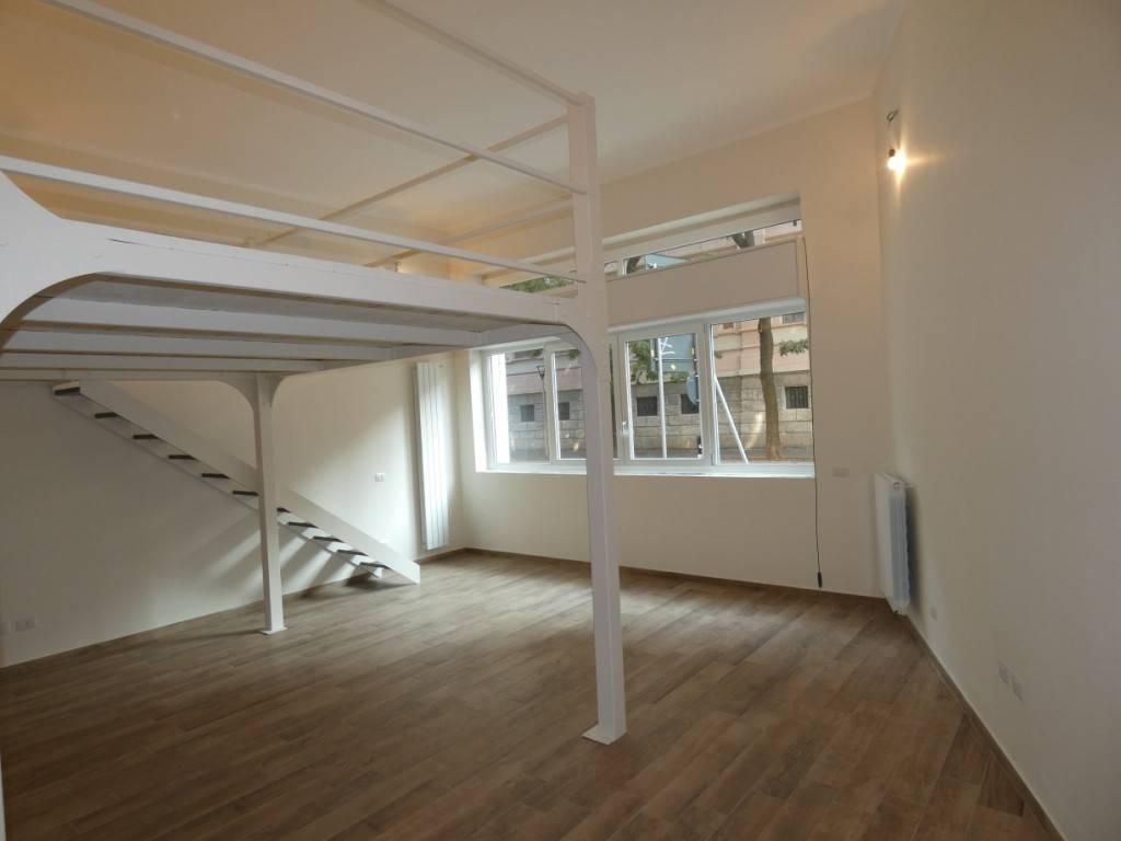 Appartamento in vendita 3 vani 80 mq.  viale Montello 18 Milano