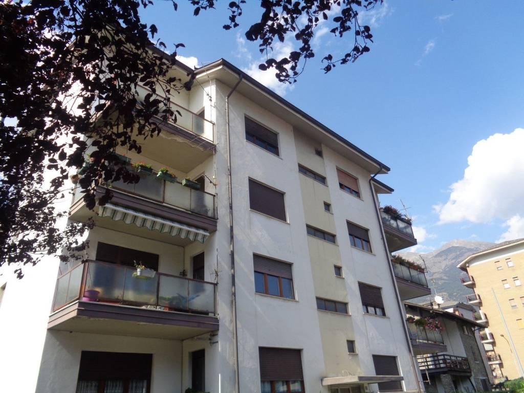 Foto 1 di Quadrilocale via Clavalité, Aosta