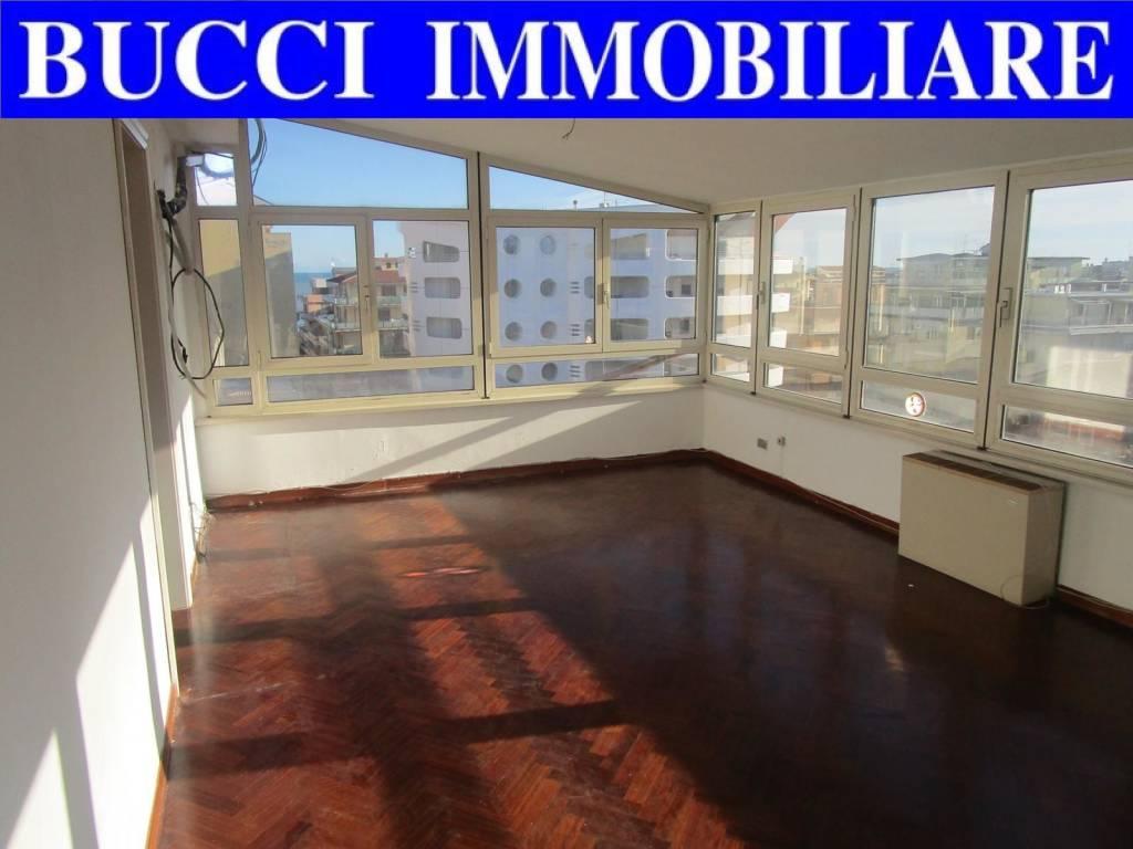 Attico / Mansarda in vendita a Pescara, 5 locali, prezzo € 209.000 | PortaleAgenzieImmobiliari.it