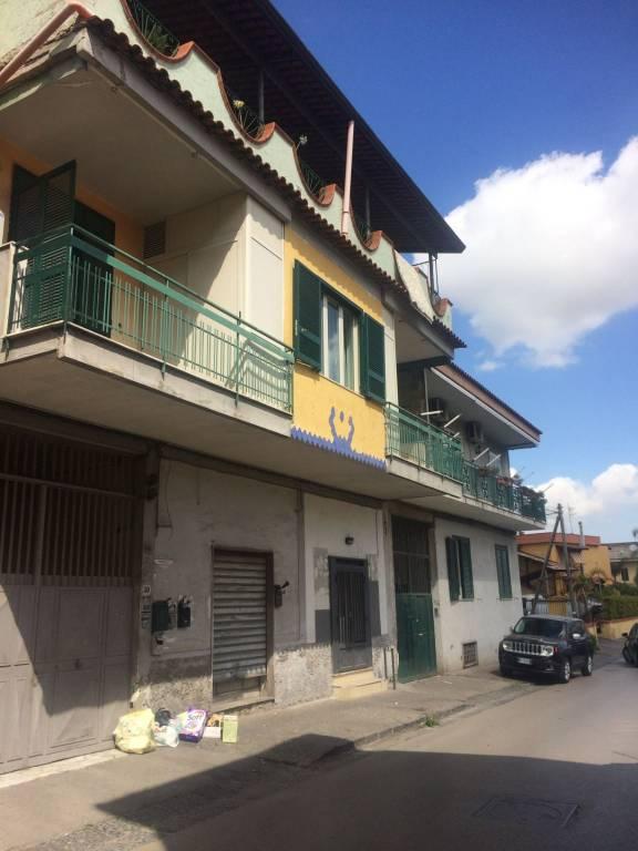 Appartamento in buone condizioni in affitto Rif. 7874199