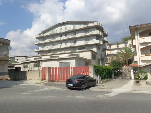 Stabile / Palazzo in vendita Rif. 7870241
