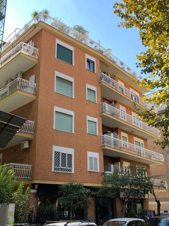 Appartamento in ottime condizioni parzialmente arredato in vendita Rif. 7870867