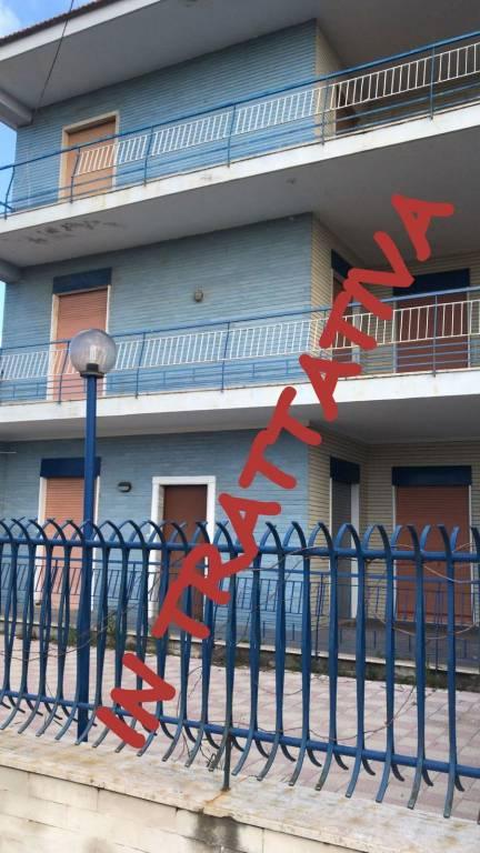 Appartamento in buone condizioni in vendita Rif. 8549671