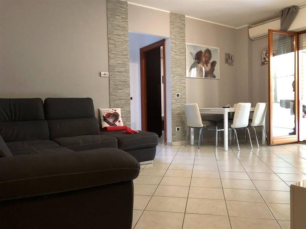 Appartamento in ottime condizioni in vendita Rif. 7888153
