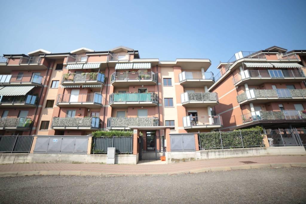 Appartamento in ottime condizioni arredato in affitto Rif. 7875213