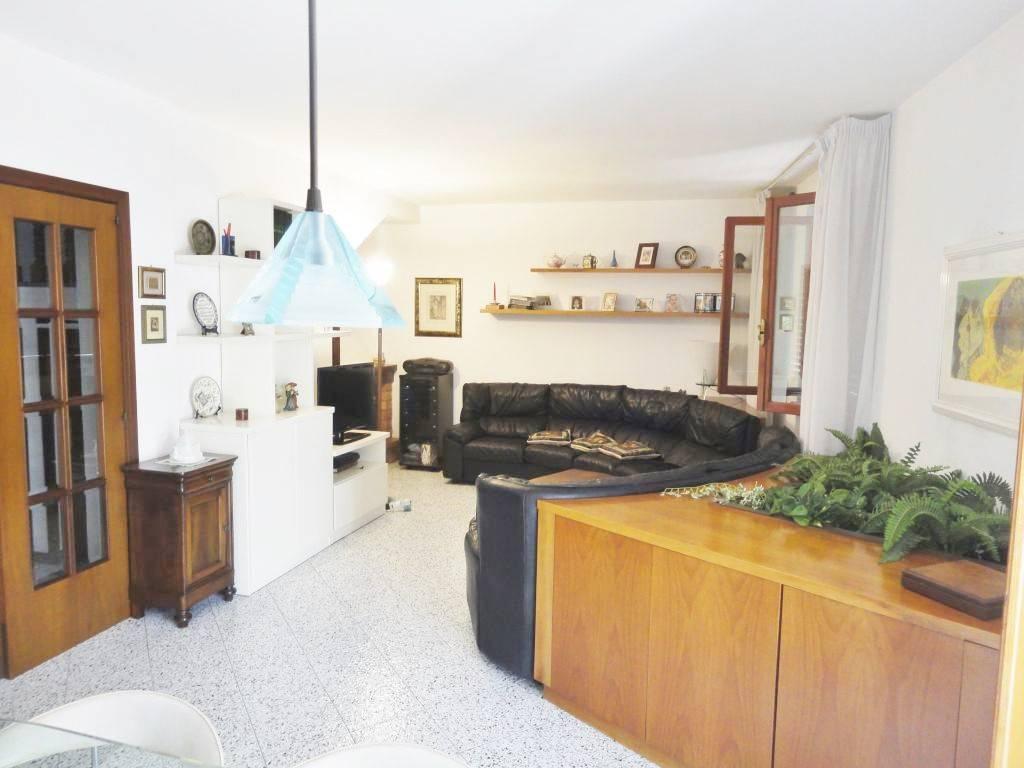 Villetta a schiera in buone condizioni in vendita Rif. 7887773