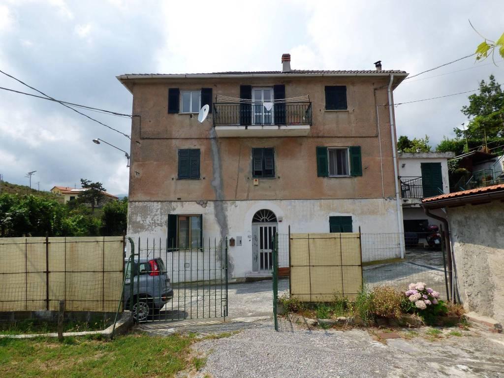 Appartamento in buone condizioni in vendita Rif. 7890141